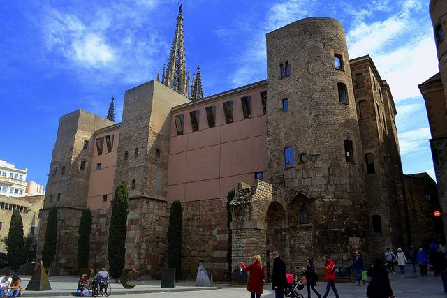 Roman Wall at Plaza de la Catedral| © Angela Llop/Flickr