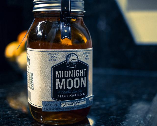 Moonshine |© Nan Palmero/Flickr