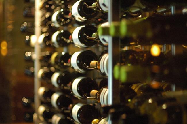 Wine bottles display © Jeff Kubina | Flickr