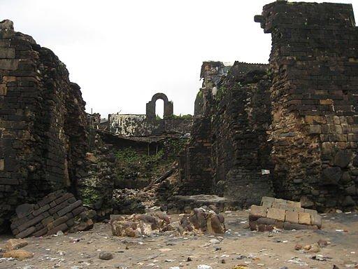 Mahim Fort ruins © Nicholas (Nichalp)/Wikicommons