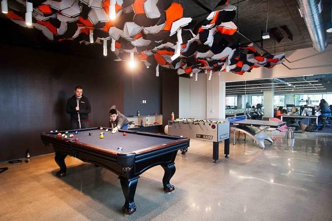 office game room. Livefyre Game Room |© Courtesy Of Officelovin Office