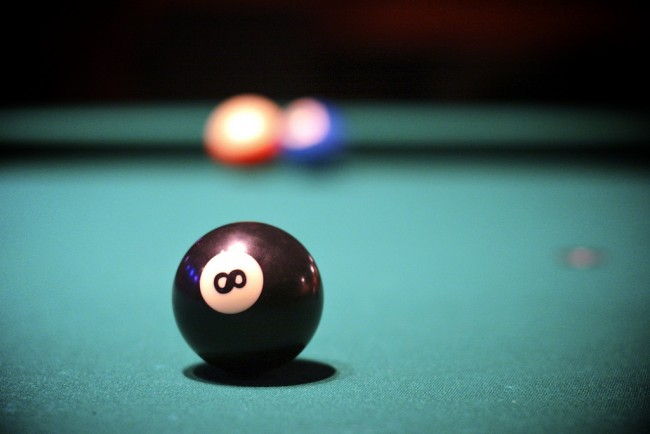 Behind the eight ball © Ed Schipul/Flickr