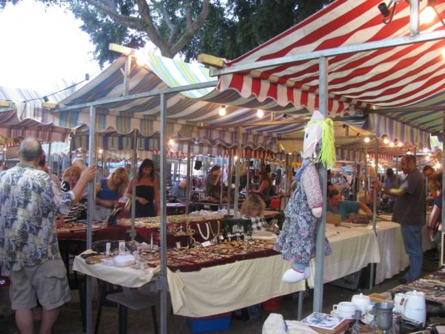 Antique Market on Dizengoff   © Yehudit Garinkol/Wikicommons