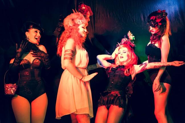 Pinky's Peepshow by Verena Gremmer, http://burlesquefotografie.de