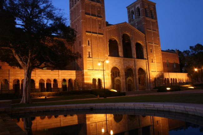 UCLA's Royce Hall © alohavictoria/Flickr