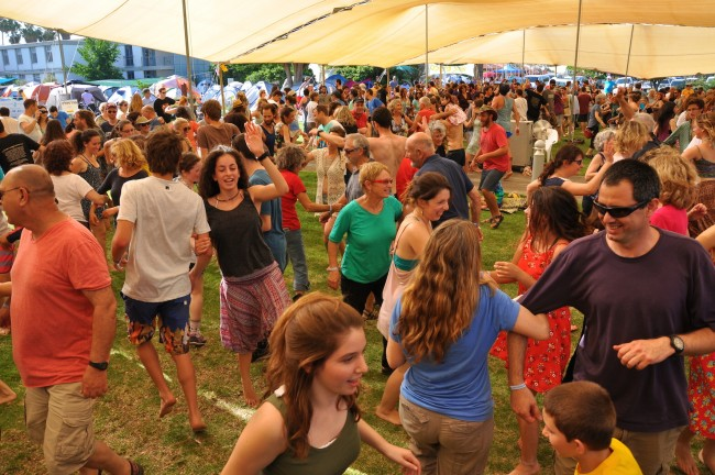 Square Dancing at Jacob's Ladder Festival © Orly Friedgut