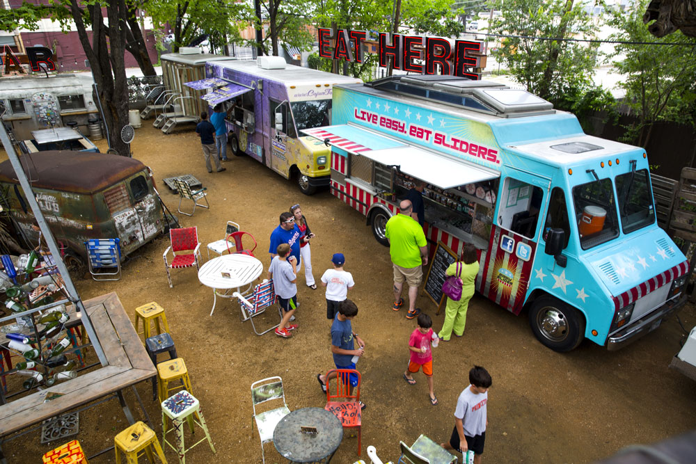 Food Truck Restaurant And Catering In Dallas Fort Worth Deep Ellum Easy Slider Texas