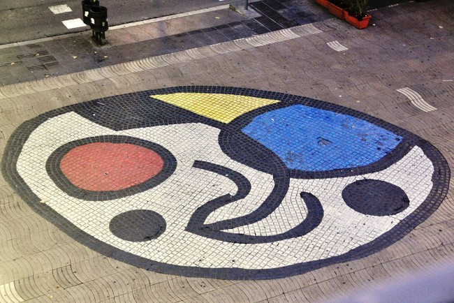 Mosaic by Joan Miró | © Eric/Flickr
