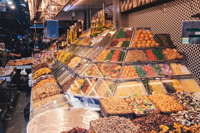 Delicacies on sale at La Boqueria | Michael & Tara Castillo / © Culture Trip