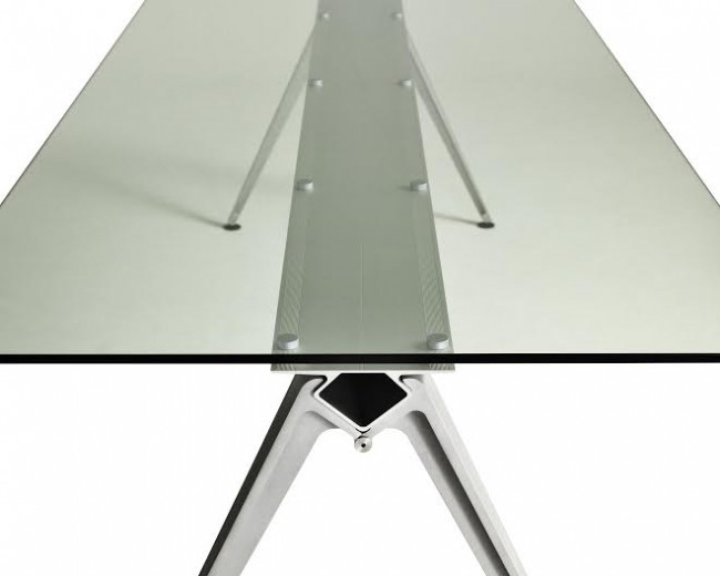GRIP-table, GrumDesign | Courtesy of GrumDesign