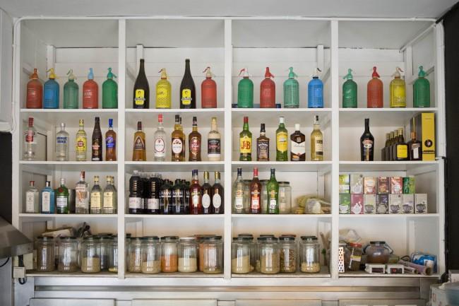 Behind The Bar | © Bar Seco