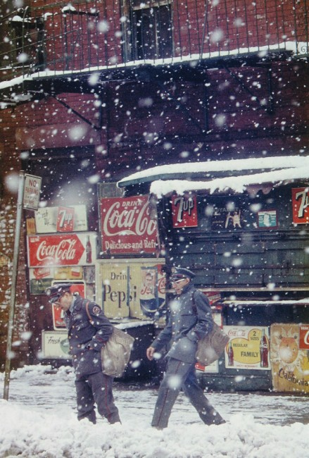 Postmen, 1952 | © Saul Leiter, Courtesy Howard Greenberg Gallery, New York