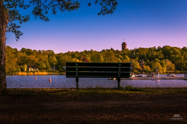 Bench and light at Djurgården | © Tommie Hansen/Flickr