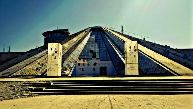 Enver Hoxha Pyramid I © SarahTz/Flickr
