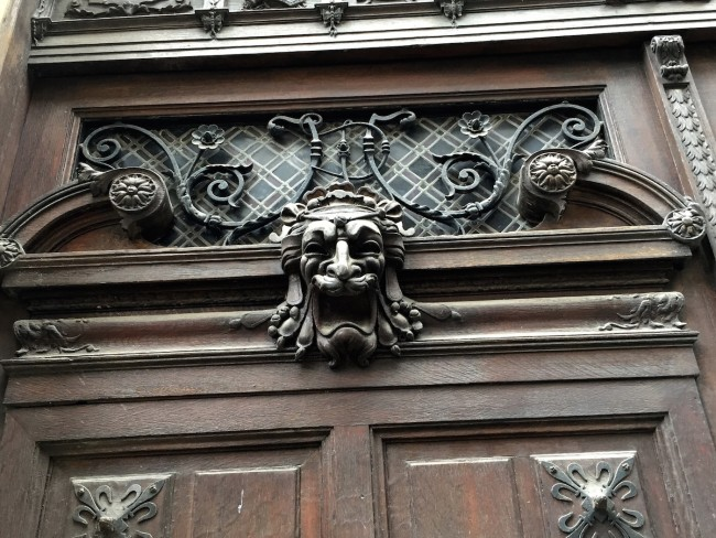 Parisian Door | © Ami B. Cadugan