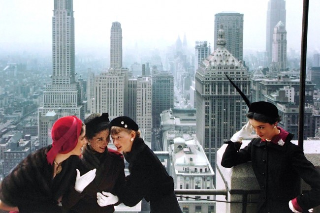 """Fashion photograph by Norman Parkinson for """"Vogue"""" - New York, 1949   © The Coincidental Dandy/Flickr"""