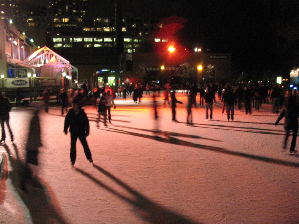 Skating at Harbourfront | © jbcurio / Flickr