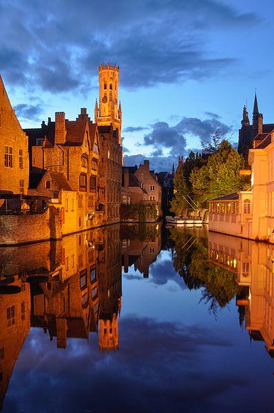 Bruges, View from Rozenhoedkaai, blue hour|© Arcalino/Wiki Commons