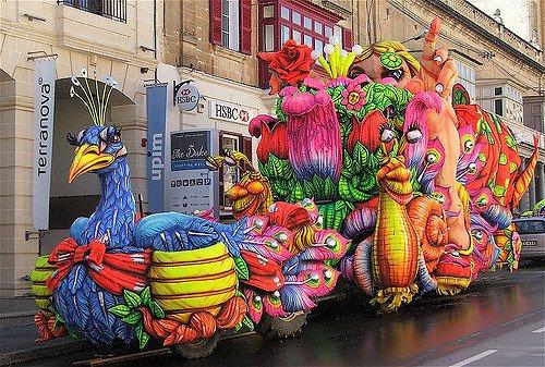 carnival float | © Peter grima/flickr