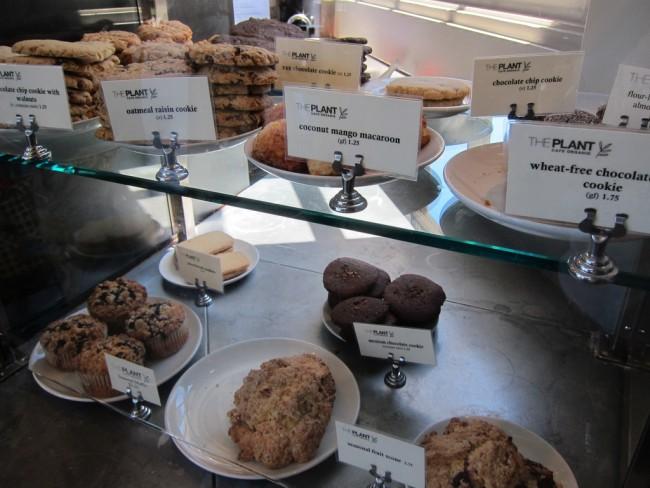 Desserts at The Plant Cafe Organic © kennejima