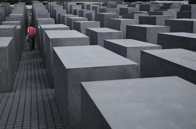Memorial to the Murdered Jews | © Jorge Royan / WikiCommons
