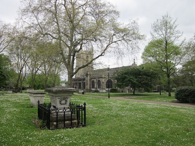 St Dunstan's Church and its huge churchyard | © Zeisterre