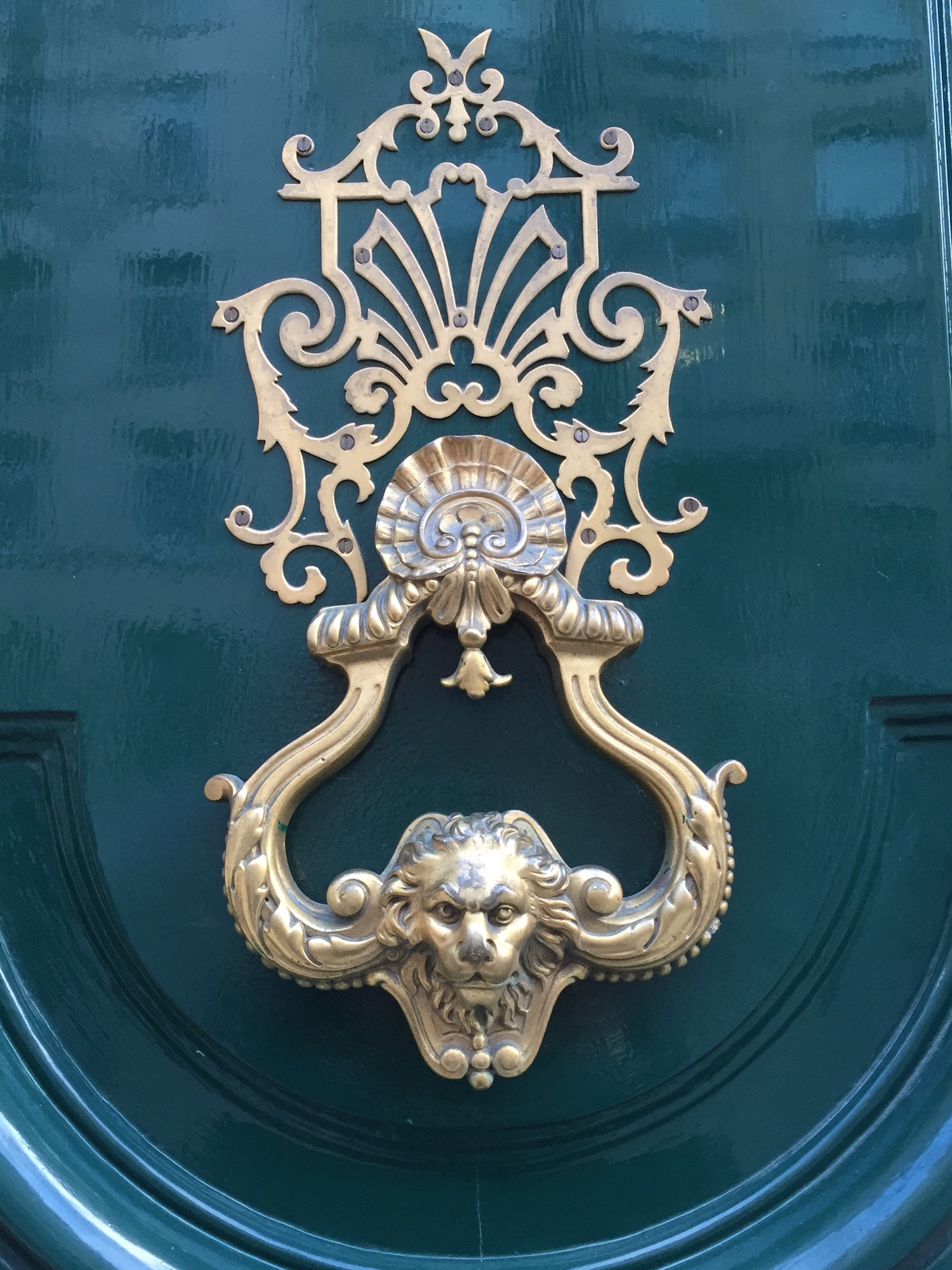 25 Strikingly Beautiful Parisian Doors And The History