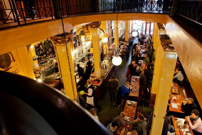 Cafe À La Mort Subite   Marliesdeboeck @Wikicommons
