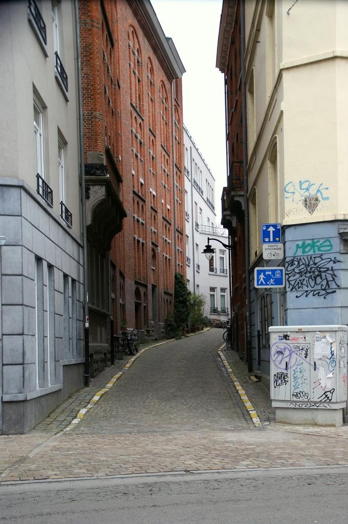 Entrance Petite Rue Malibran (C) La Kusman