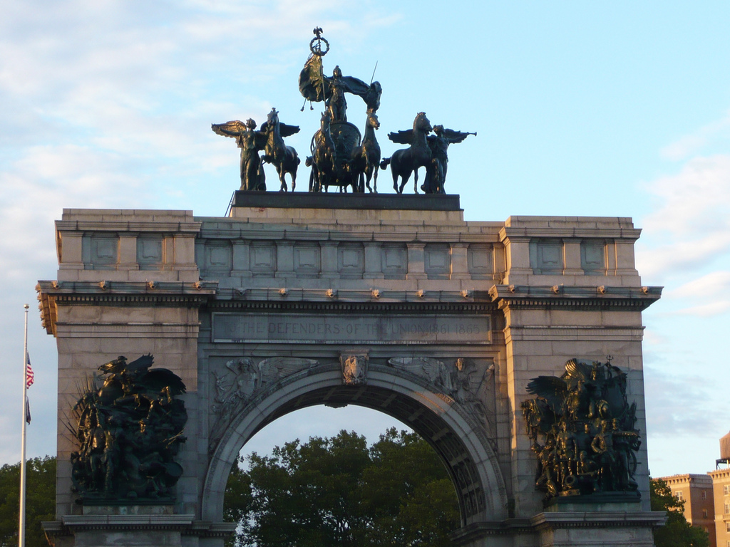 Follow Soldiers' and Sailors' Arch| © Jessica Spengler/flickr