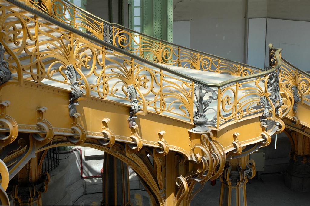 The beautiful staircases of paris for Salon d honneur grand palais