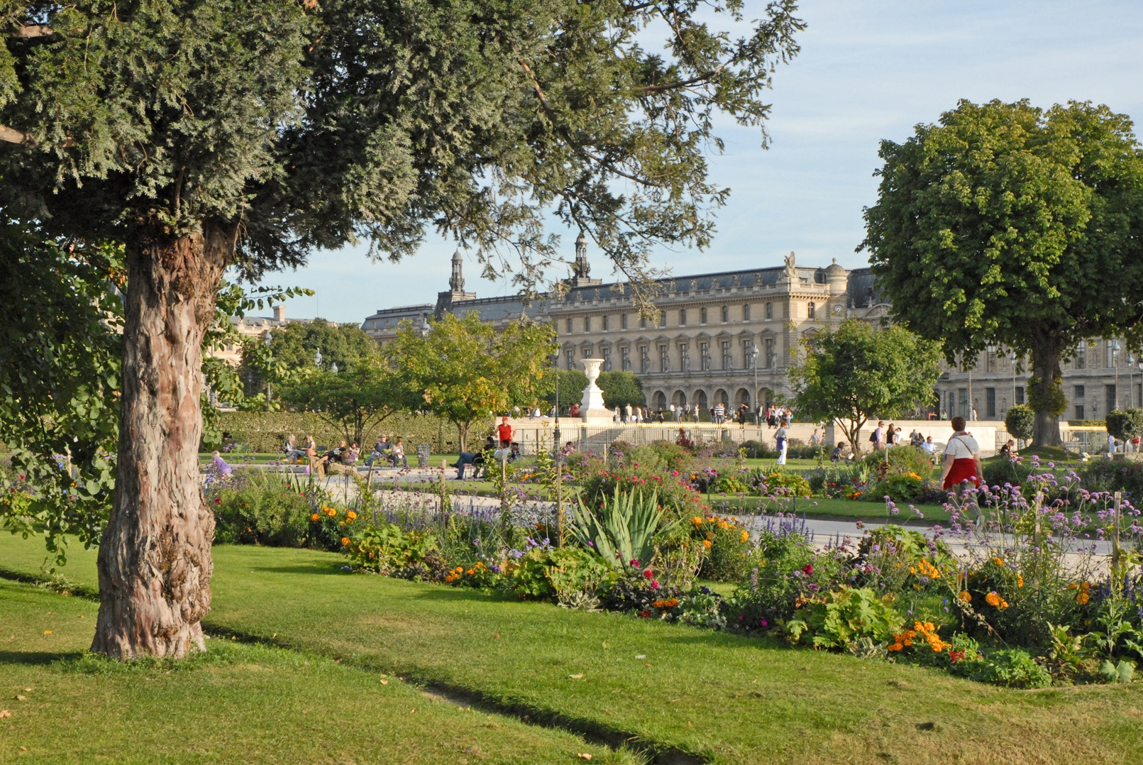 The best places to run in paris for Jardin tuileries