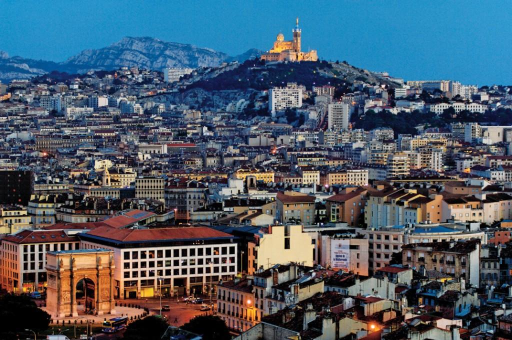 Marseille by night |© F. Laffont-Feraud/WikiCommons