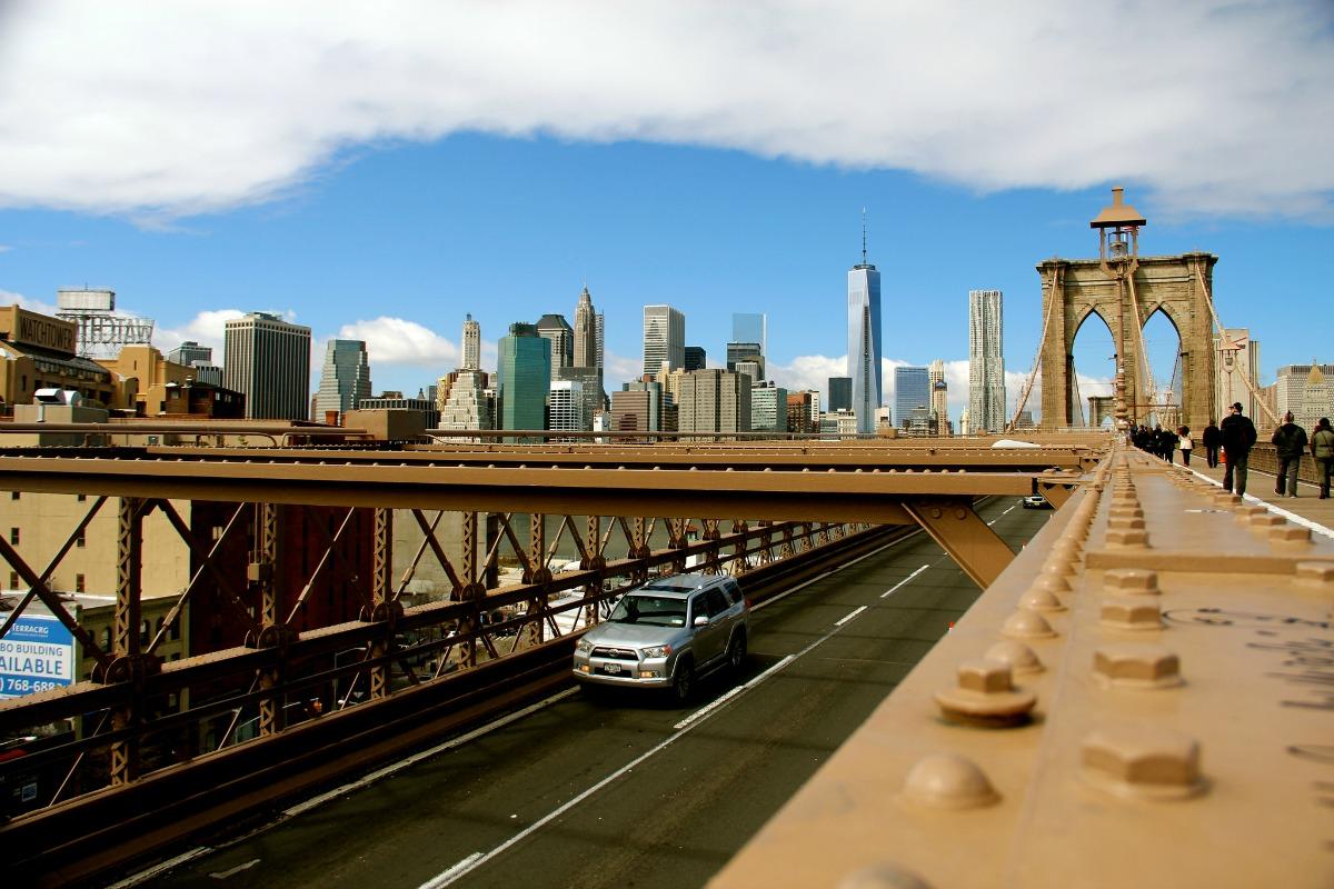 On the Brooklyn Bridge| © Daniel X. O'Neil/flickr
