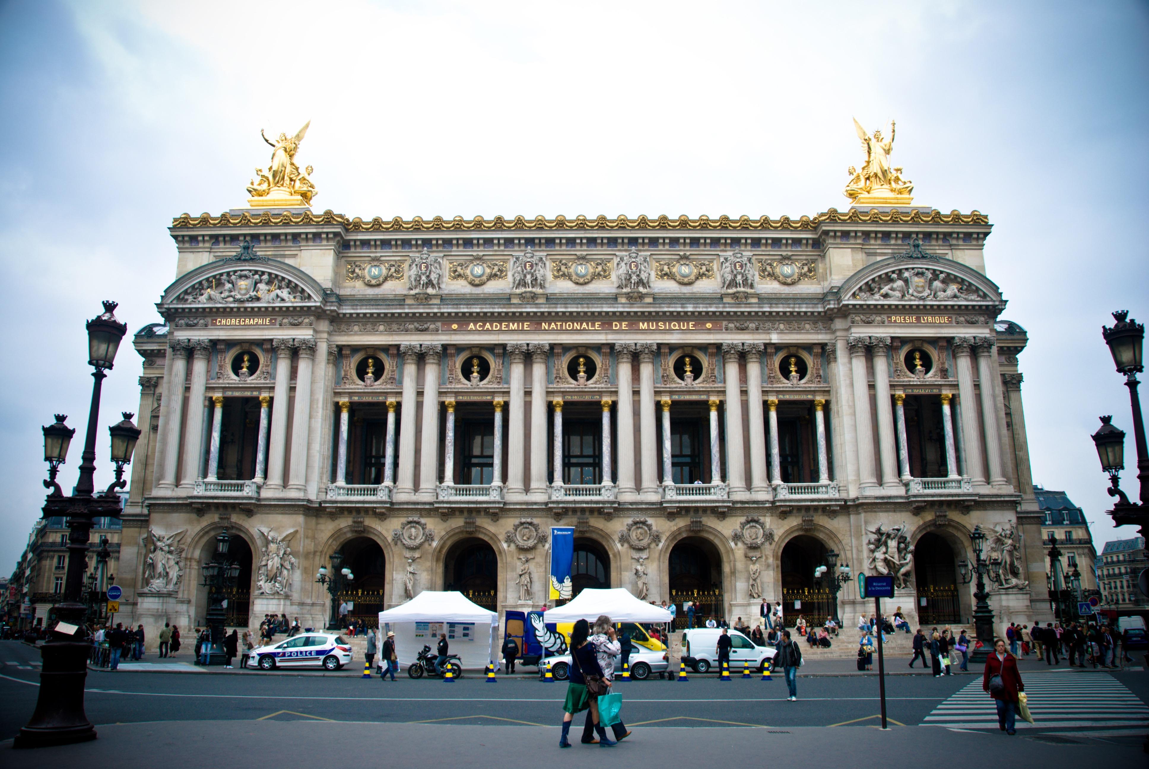 10 landmarks that transformed the parisian cityscape