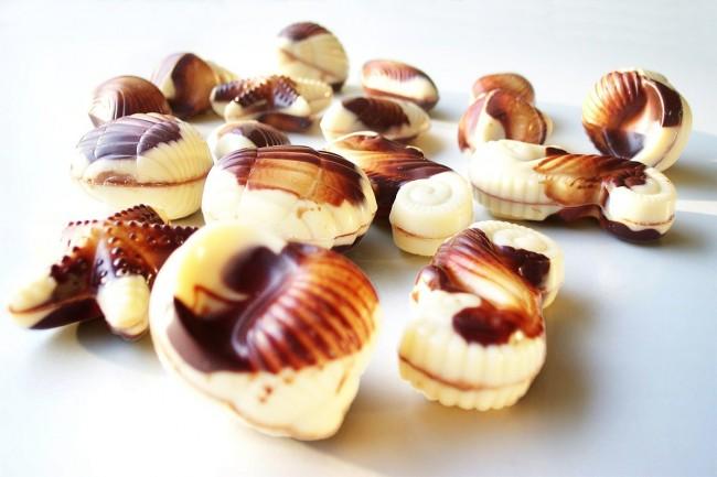 https://pixabay.com/pt/chocolates-belgas-chocolate-590381/