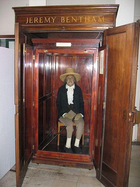 Jeremy Bentham displayed at University College, London | © Daduzi~commonswiki/WikiCommons