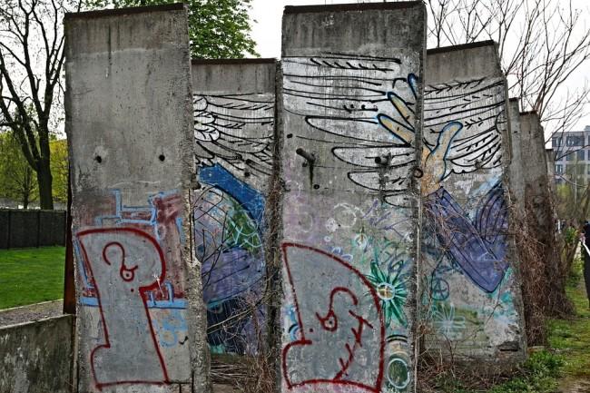 Berlin Wall Memorial |Courtesy of moerschy / pixabay