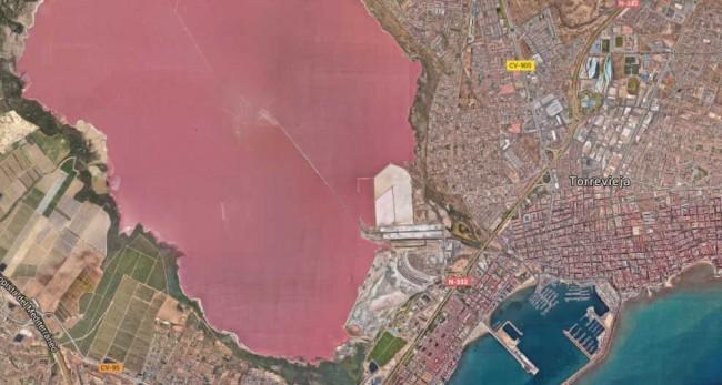 Las Salinas de Torrevieja | © Google Maps (2016)