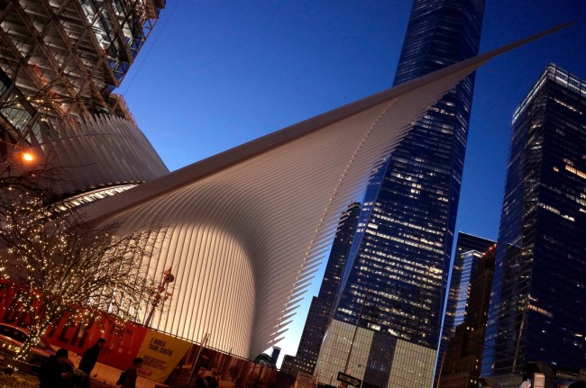 A view of the Westfield WTC Mall at night | © Smart Scott Photography