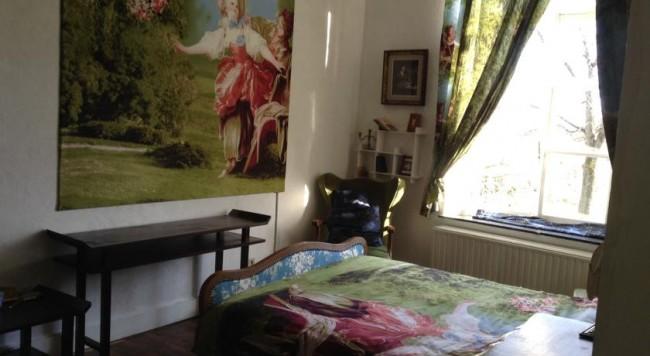 Guest Room at Château de l'Enclos/Courtesy Anuschka Theunissen