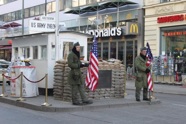 Checkpoint Charlie|Courtesy of Paulína Gono