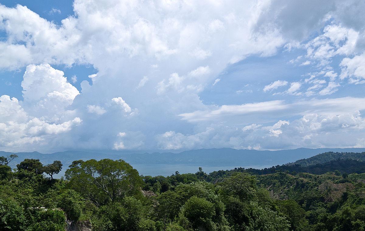 Lake Ilopango | © Ll1324/WikiCommons