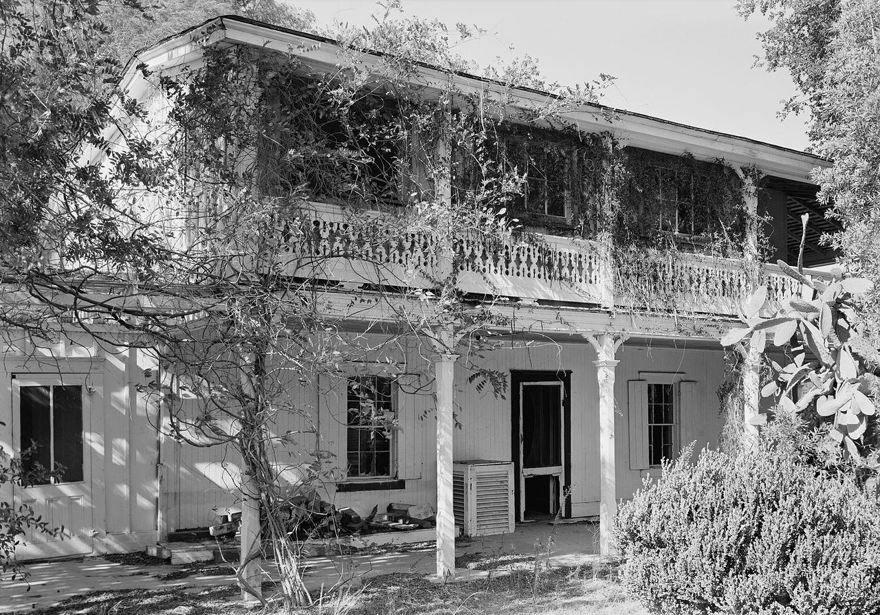Leonis Adobe in Calabasas © Jack Boucher/Wikimedia
