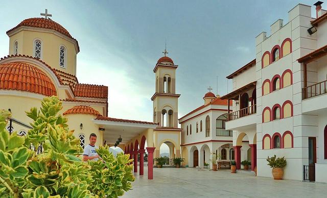 monastery in Spili | © Roberto Strauss/Flickr