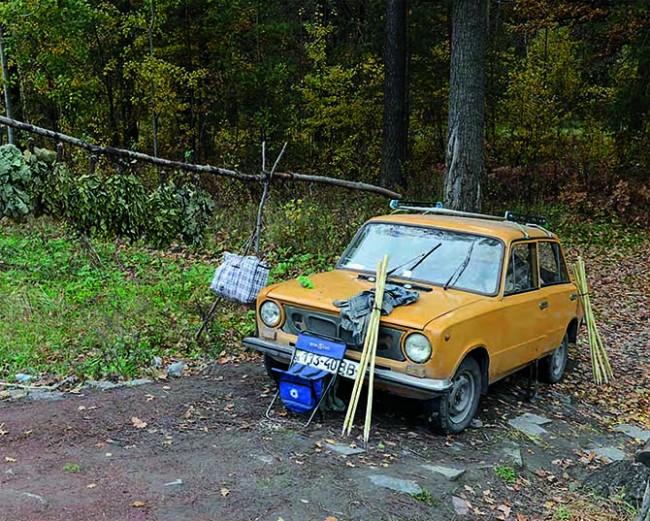 Shnuriv Lys, Ukraine, October 16, 2013 | © Stephen Shore. Courtesy 303 Gallery, New York & Sprüth Magers