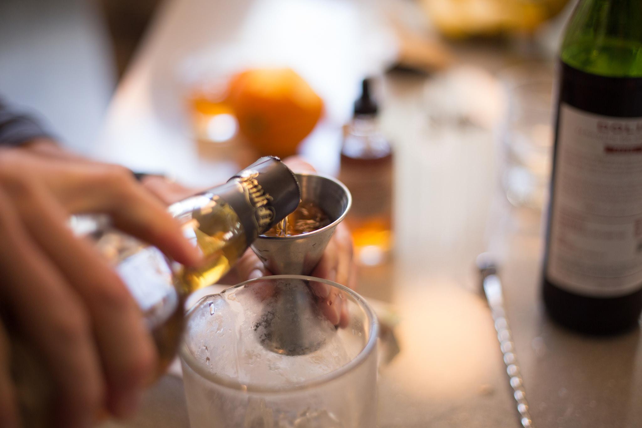 Drink mixing | © Scott Schiller/Flickr