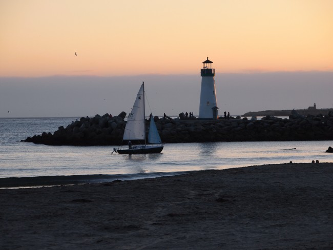 Sunset from Twin Lakes State Beach © Ian Kennedy/flickr