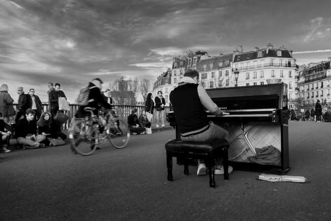Street Concert in Paris   © Vincent Anderlucci/Flickr