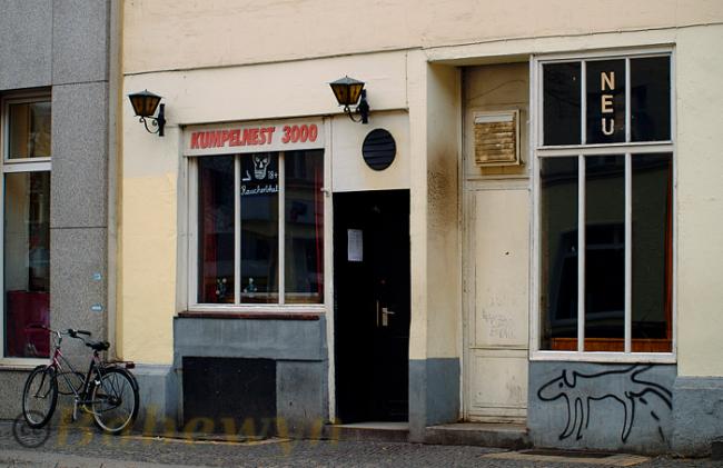 the best bars in tiergarten berlin. Black Bedroom Furniture Sets. Home Design Ideas